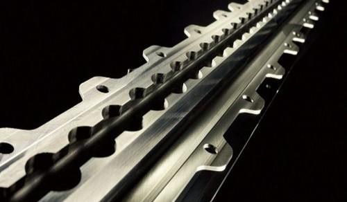 Seat-rail | CHIRON FZ 15 L = 3.210 mm B = 50 mm H = 82 mm